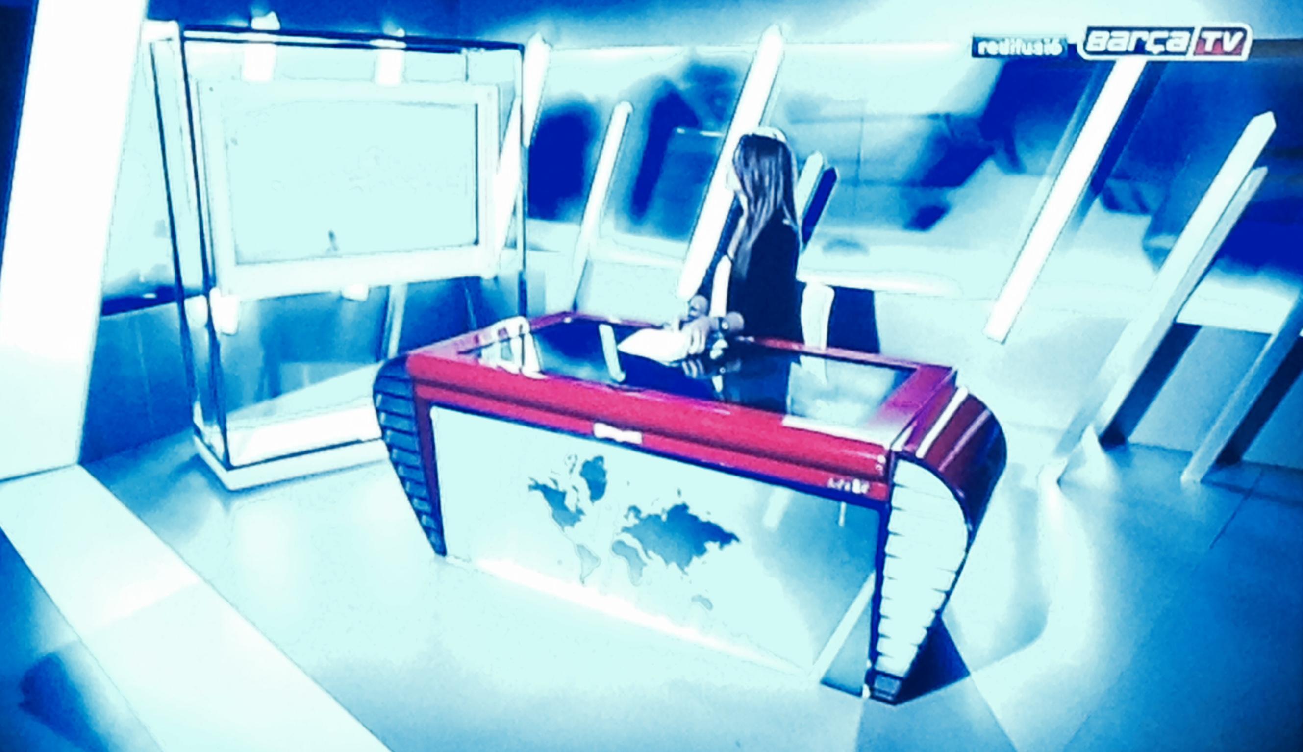 La xtable wings de digalix en bar atv canal oficial del for Oficinas de vueling en barcelona